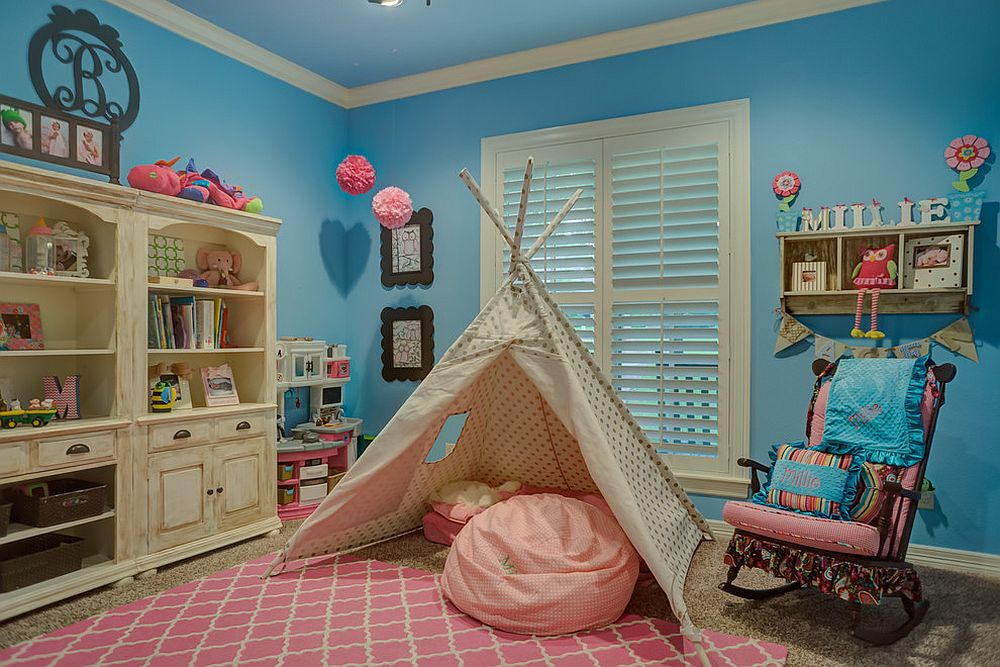 Rug brings pink to the kids' room in blue