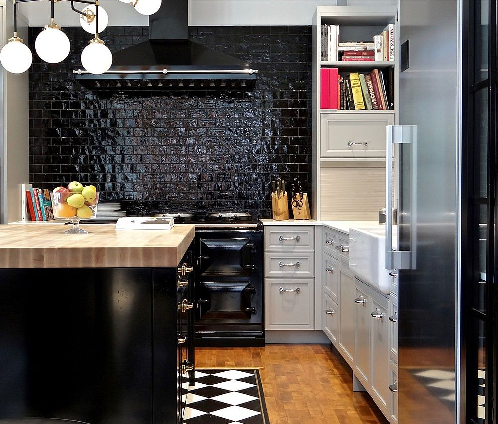 Small kitchen with glossy brick wall backdrop and island in black!