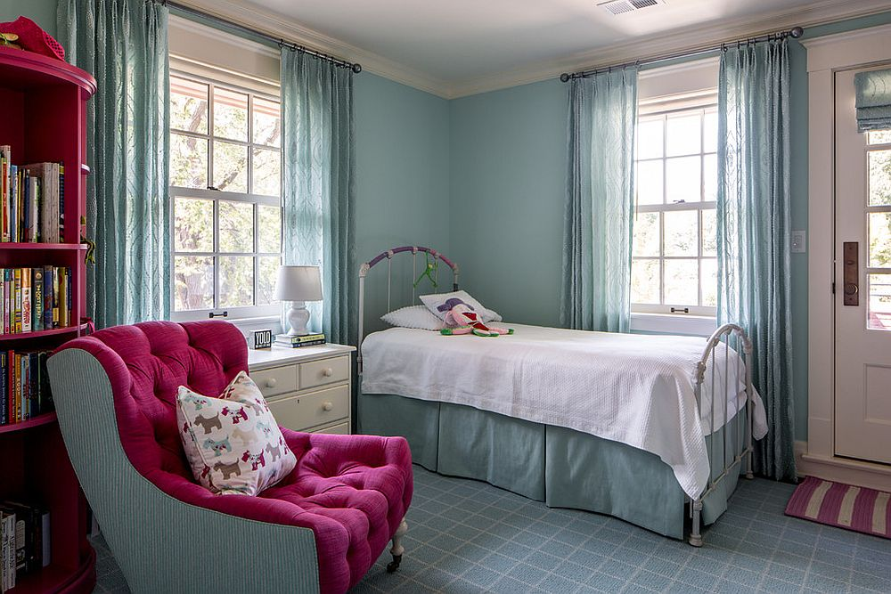 Smart-kids-room-in-blue-with-hints-of-bright-pink