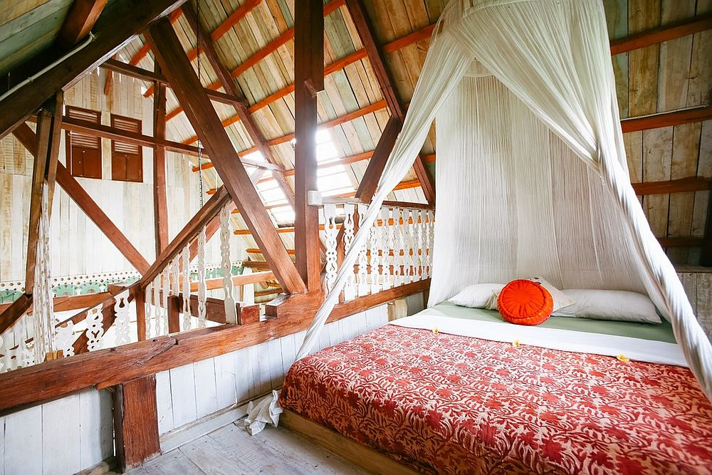 Space-savvy tropical bedroom in white, wood and orange