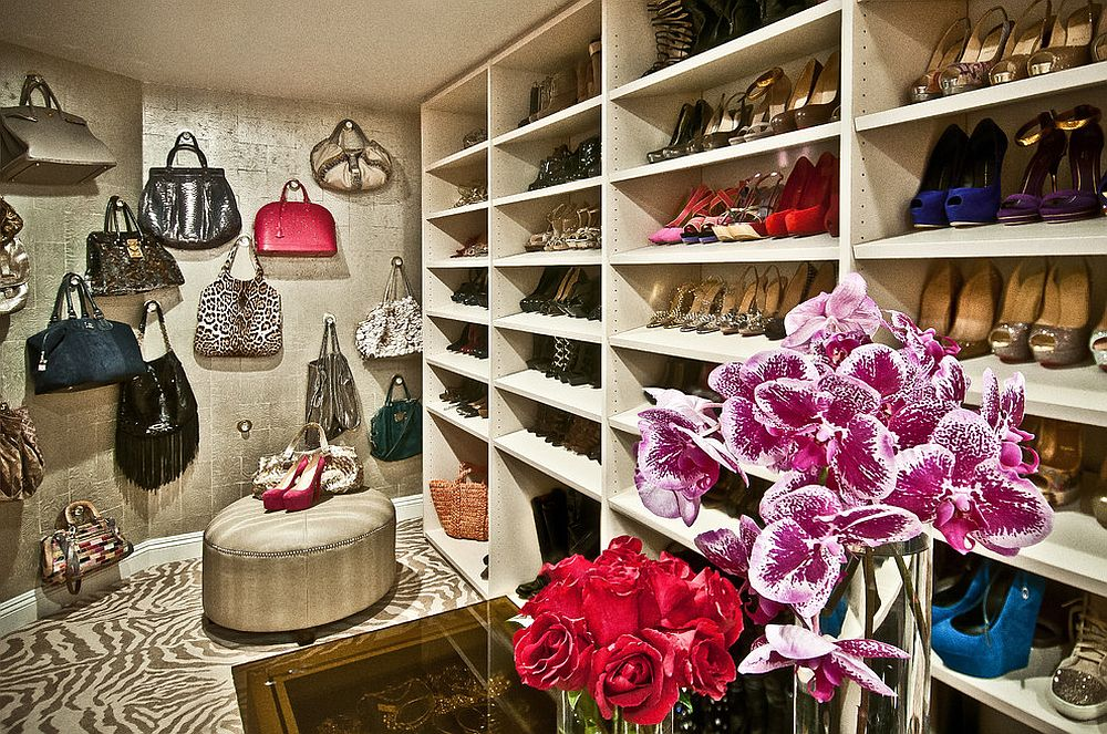 A-perfect-walk-in-closet-for-those-who-love-their-handbags