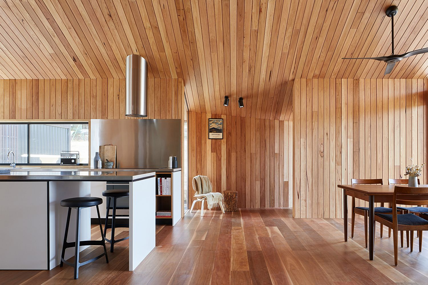 Beautiful-modern-kitchen-and-dining-room-of-the-Victorian-home-extension