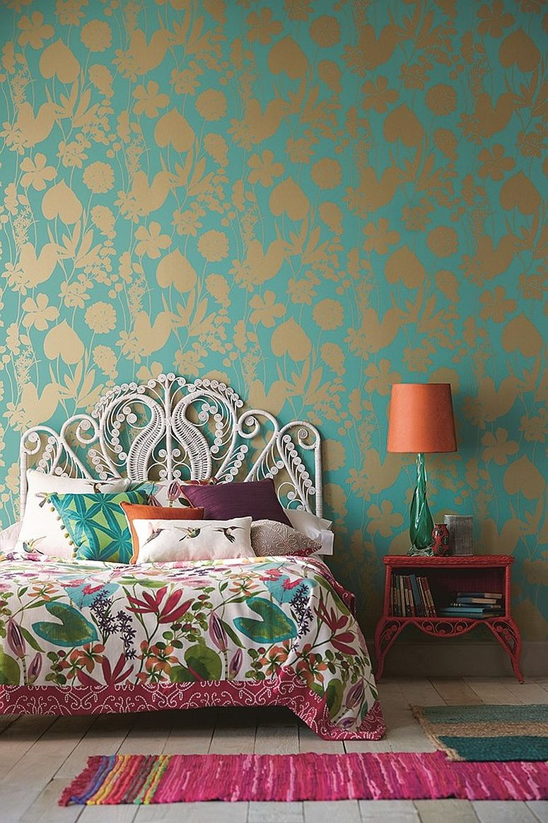 Bedding-with-tropical-motifs-for-the-eclectic-modern-bedroom