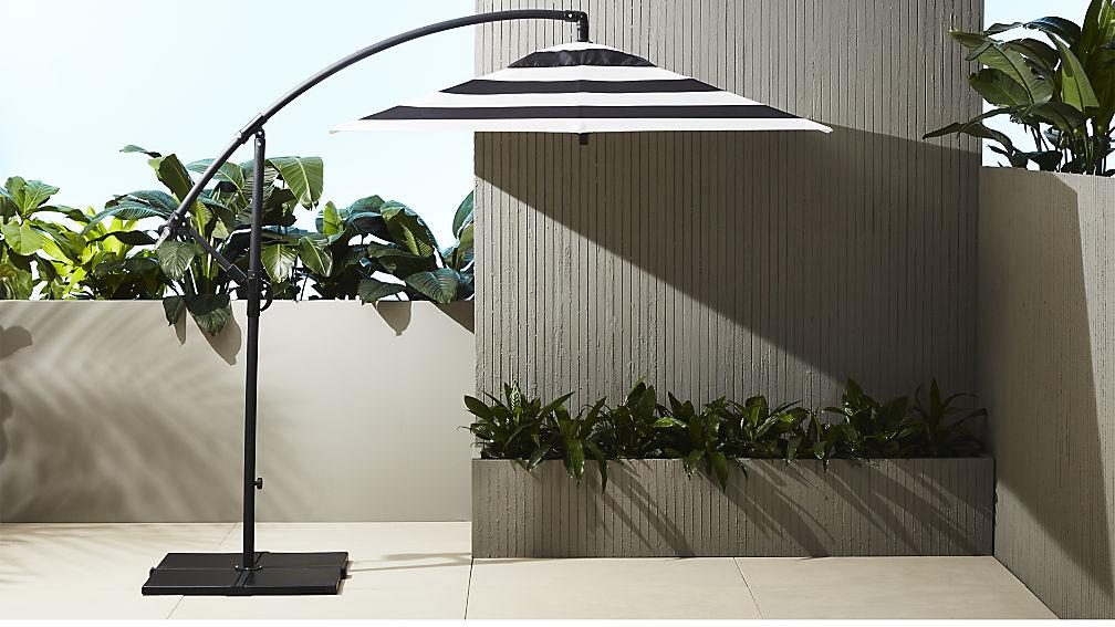 Black-and-white-striped-modern-patio-umbrella