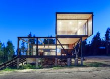 Cantilevered-contemporary-home-in-Chile-with-a-view-of-La-Boca-town-in-the-distance-217x155