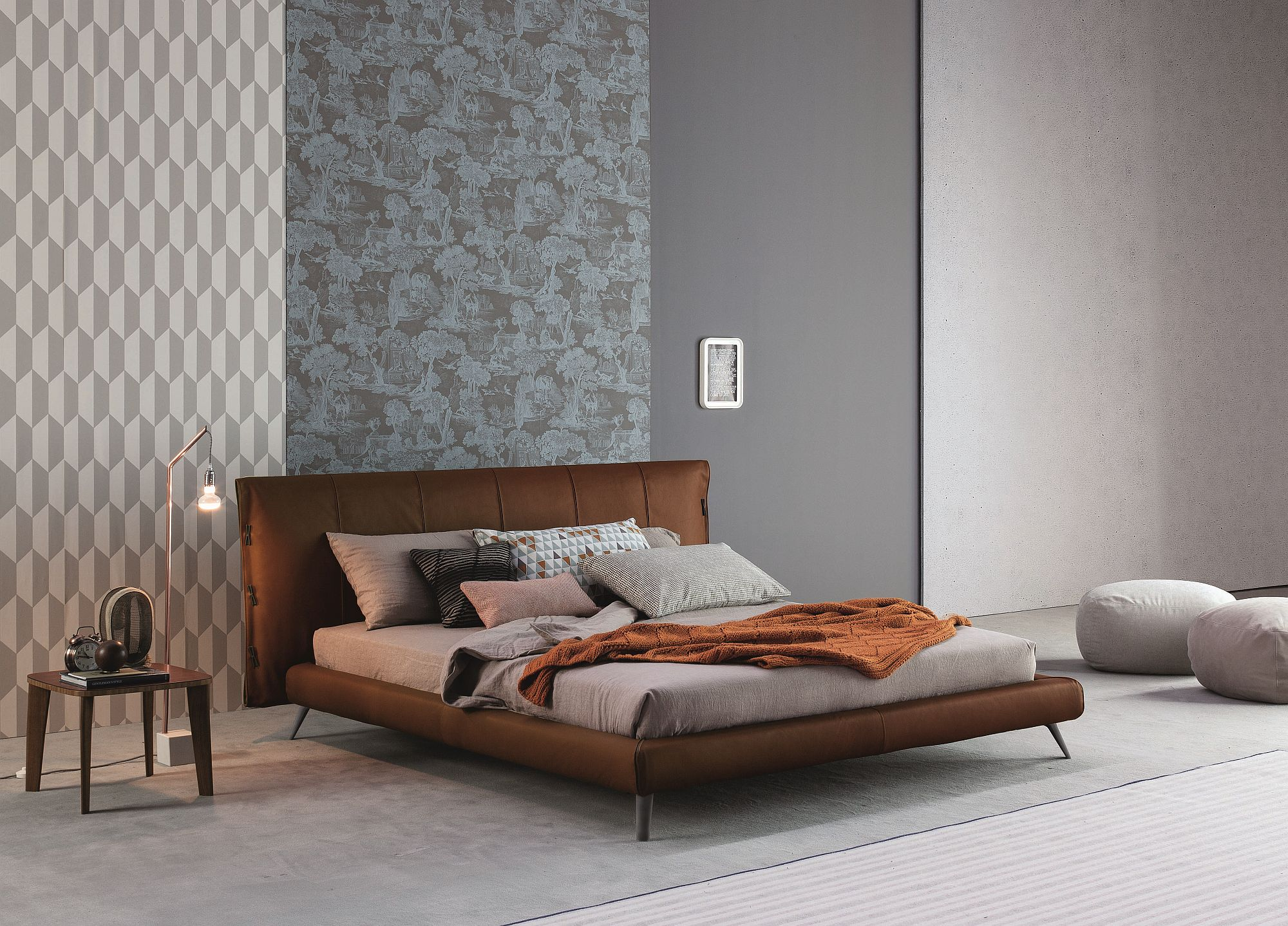 Cuff-bed-upholstered-with-Vintage-Aniline-leather