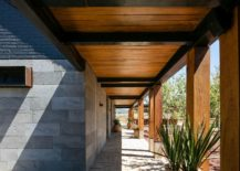Cut-volcanic-rock-and-wood-combined-at-the-lovely-ranch-house-217x155