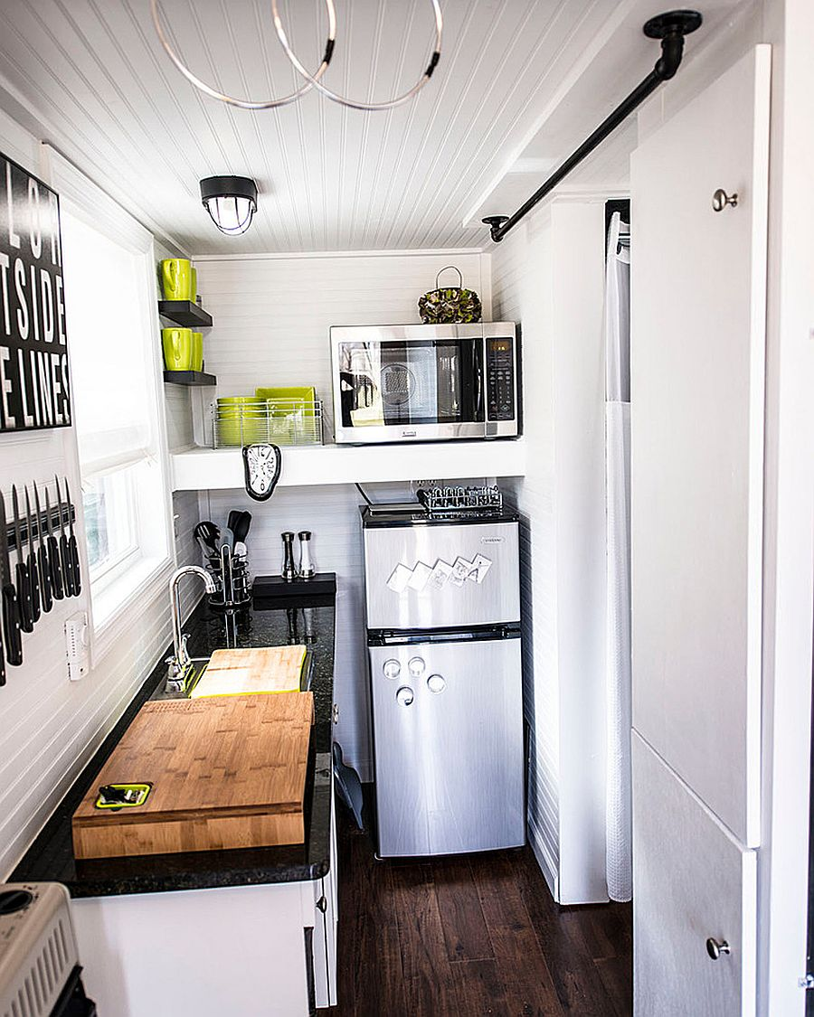 50 Tiny Apartment Kitchens that Excel at Maximizing Small ...