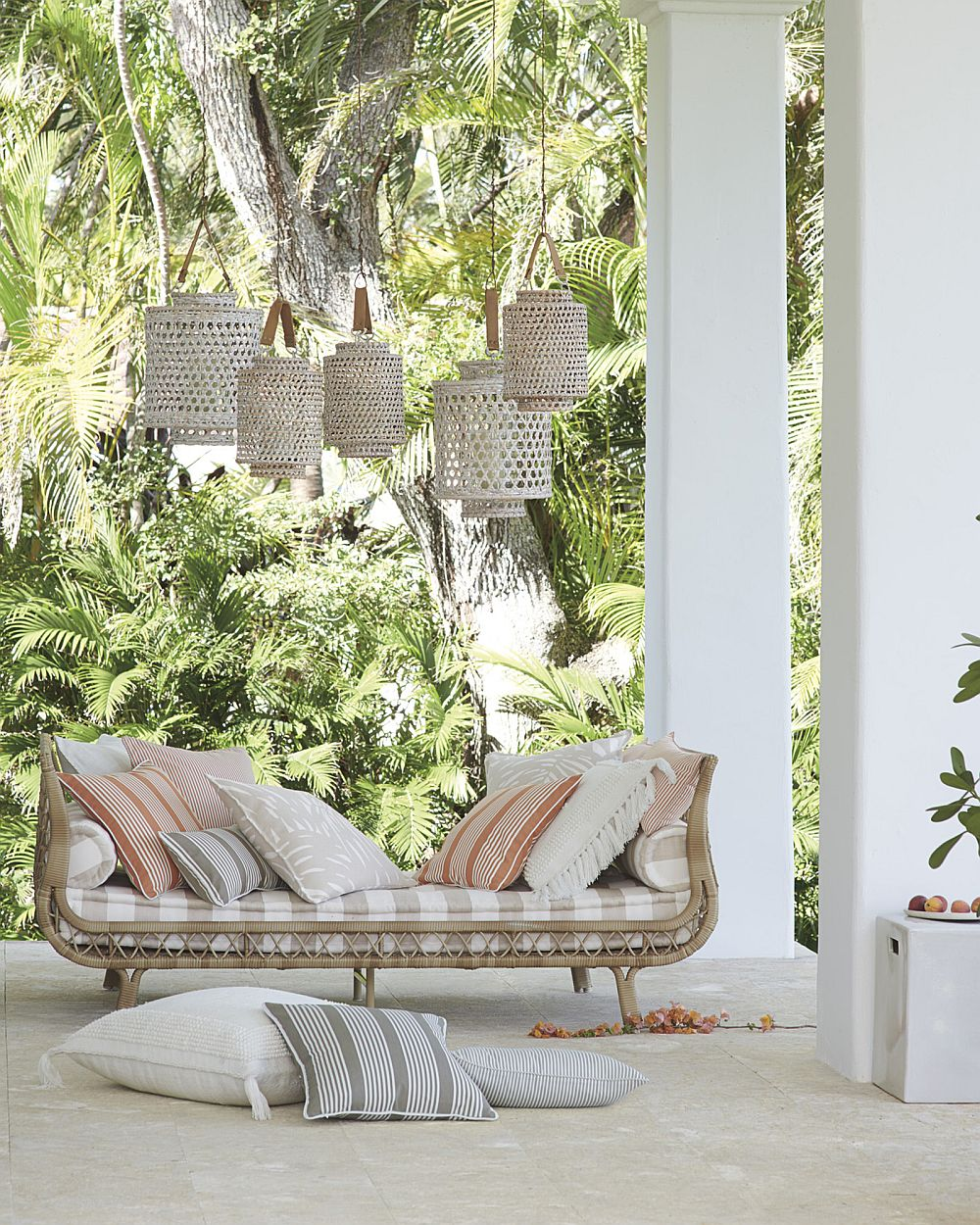 Finding luxury in natural materials is a summer trend that never fails!