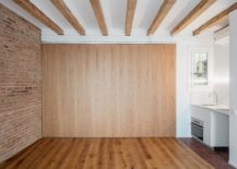 Folding-wooden-walls-can-be-closed-completely-to-give-privacy-217x155