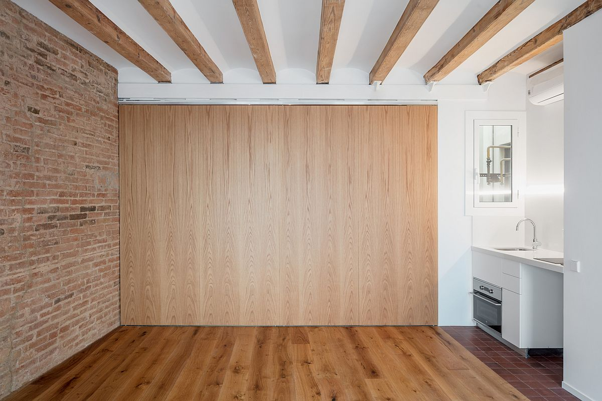 Folding wooden walls can be closed completely to give privacy