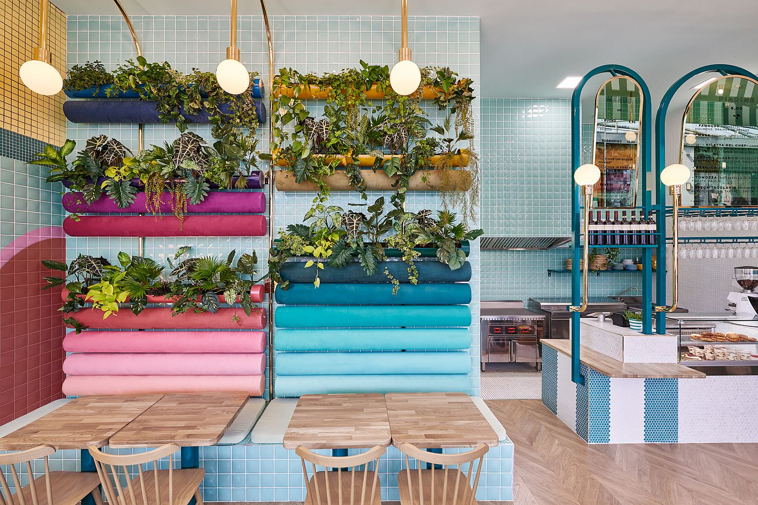 Gorgeous and cheerful interior of Piada in Lyon