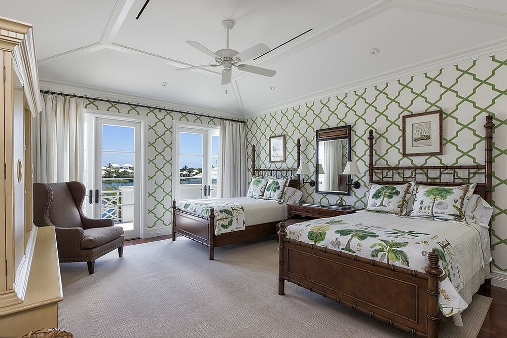 Green-and-white-bedroom-with-tropical-bedroom