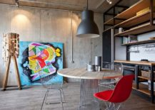 Industrial-chic-47-square-meter-apartment-in-Moscow-with-concrete-walls-217x155