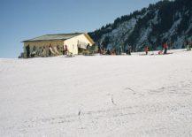 Lovely-ski-slopes-around-cozy-Swizz-cabin-217x155