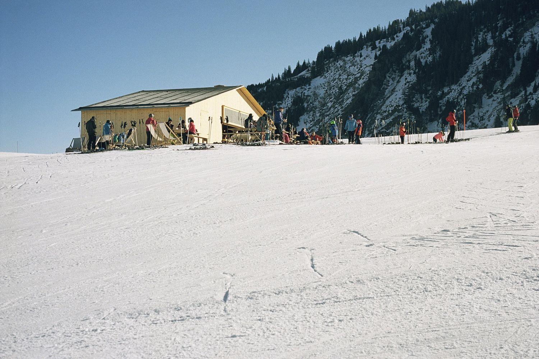 Lovely-ski-slopes-around-cozy-Swizz-cabin