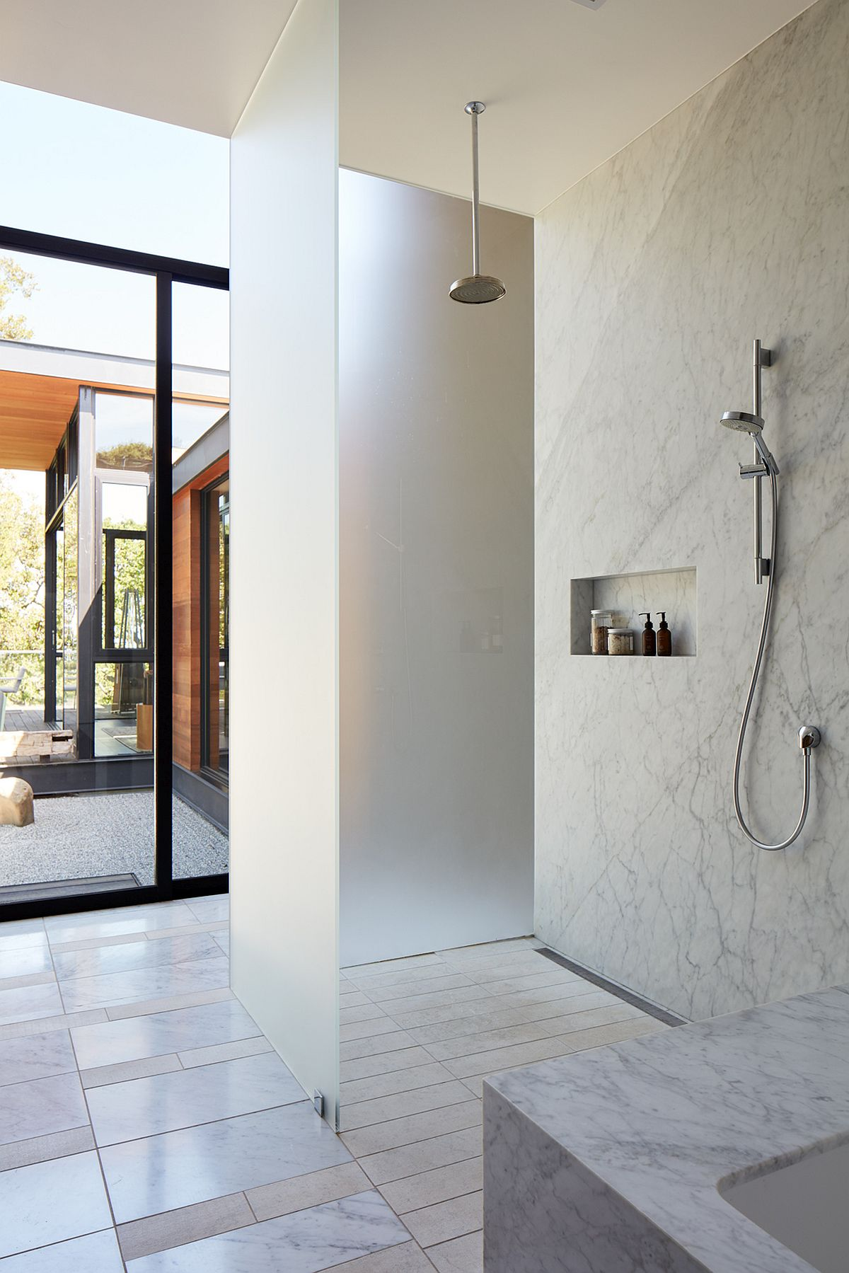 Marble and stine contemporary bathroom