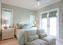 Relaxing-traditional-bedroom-in-pastel-green-and-white-217x155