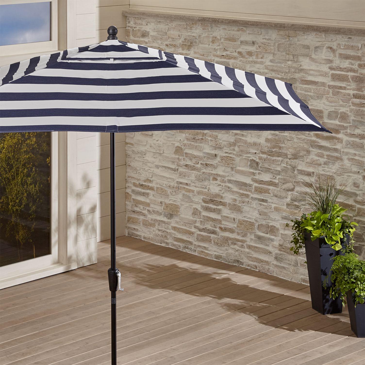 Striped-patio-umbrella