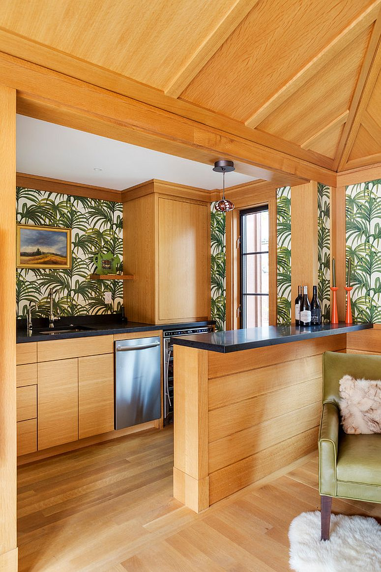 Tropical-home-bar-in-wood-and-a-snazzy-wallpaper