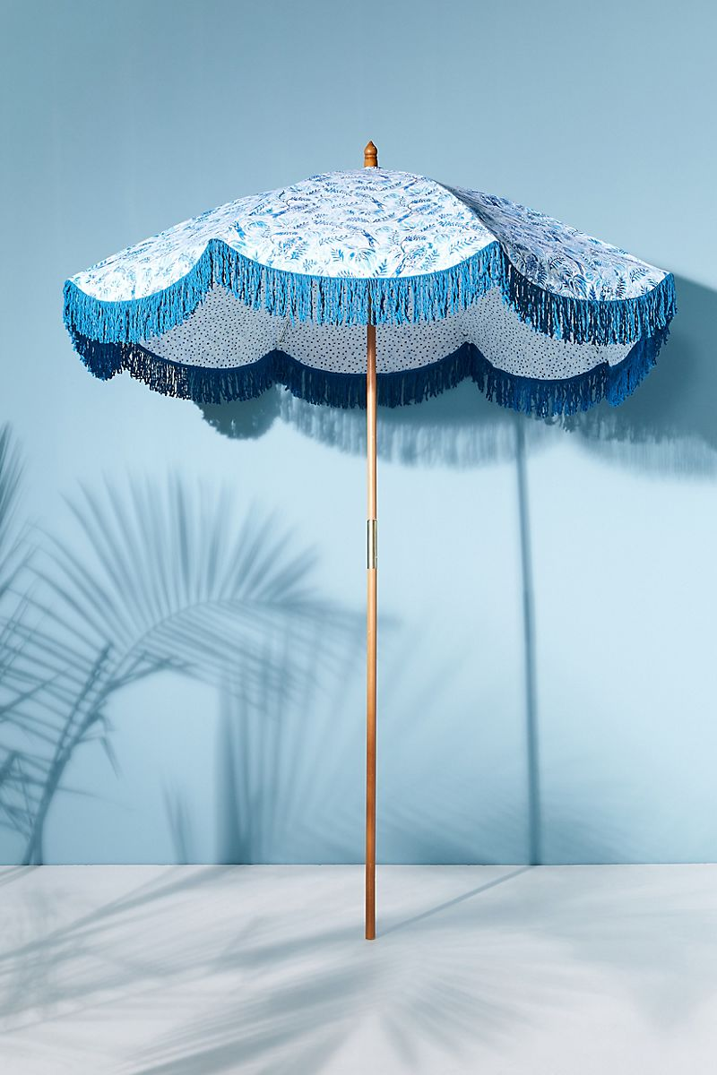 3 Outdoor Design Styles Featuring Patio Umbrellas