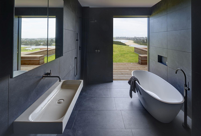 Urbane contemporary bathroom in bluish-gray