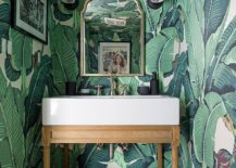 Wallpaper-with-beautiful-banana-leaves-for-the-smart-tropical-powder-room-217x155