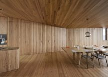 Woodsy-and-modern-interior-of-the-beach-house-217x155