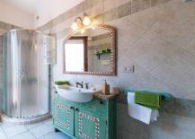 Classic-Mediterranean-bathroom-charm-brought-to-the-modern-setting-217x155
