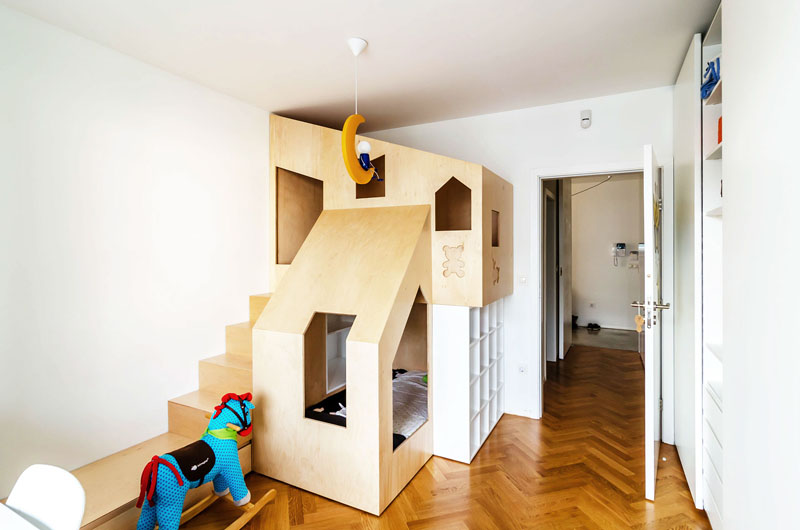 Custom House-shaped bunk beds for the modern kids' room