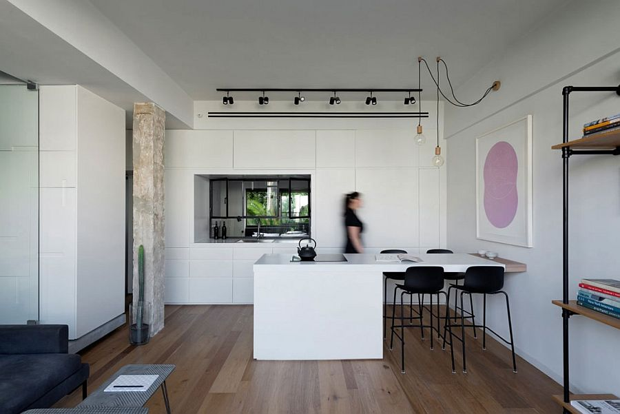 Minimal kitchen and dining room rolled into one