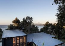 Stunning-contemporary-home-in-Chilean-Patagonia-with-a-gorgeous-lake-next-to-it-217x155