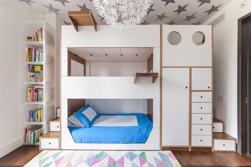 Stylish triple bunk bed by Casa Kids