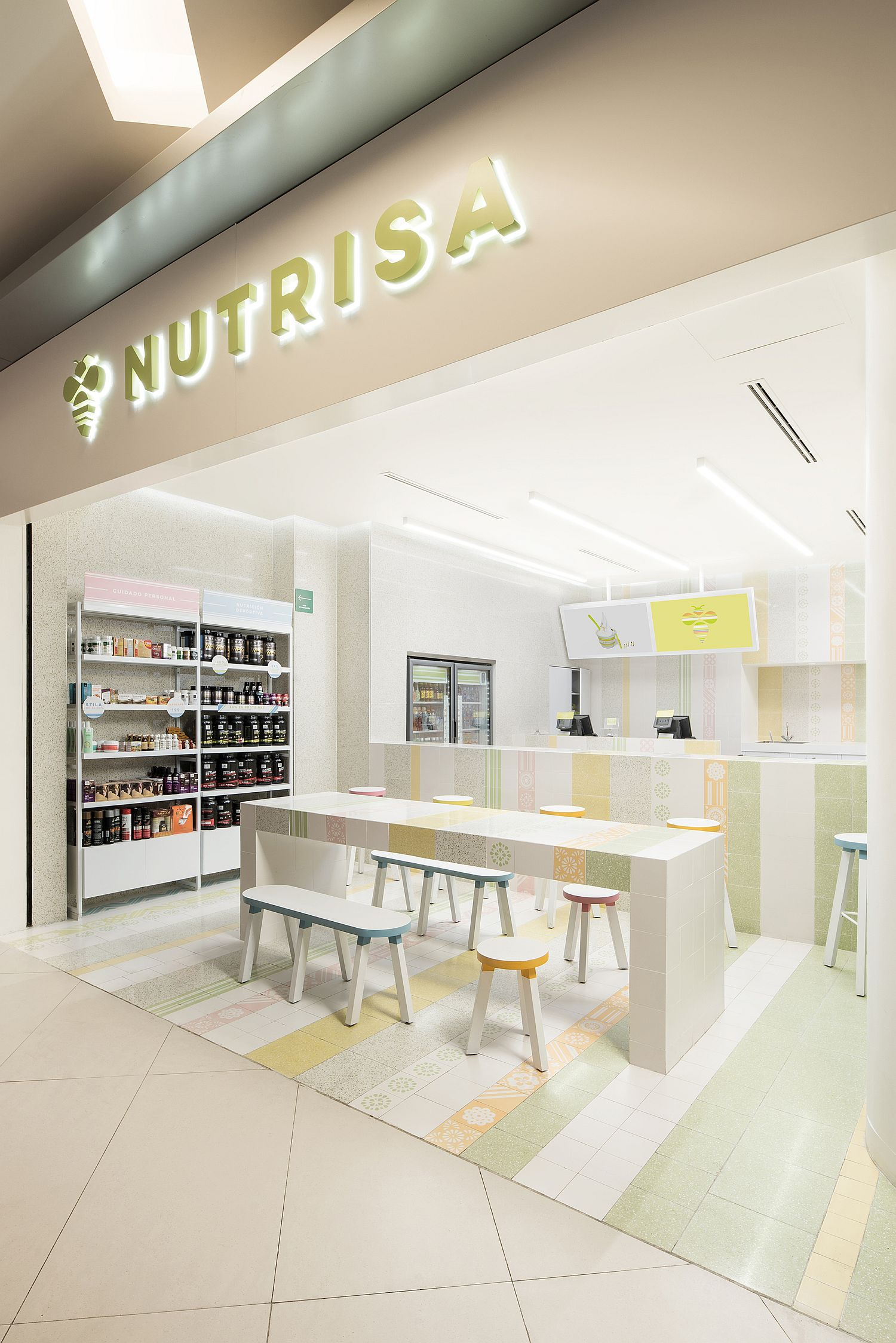 Breezy and cheerful makeover of natural ice cream store in Mexico