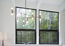 Chandelier-brings-brightness-to-the-smart-dining-area-217x155
