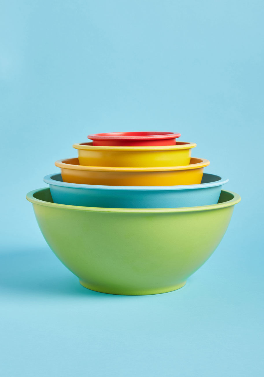 Colorful mixing bowls from Modcloth