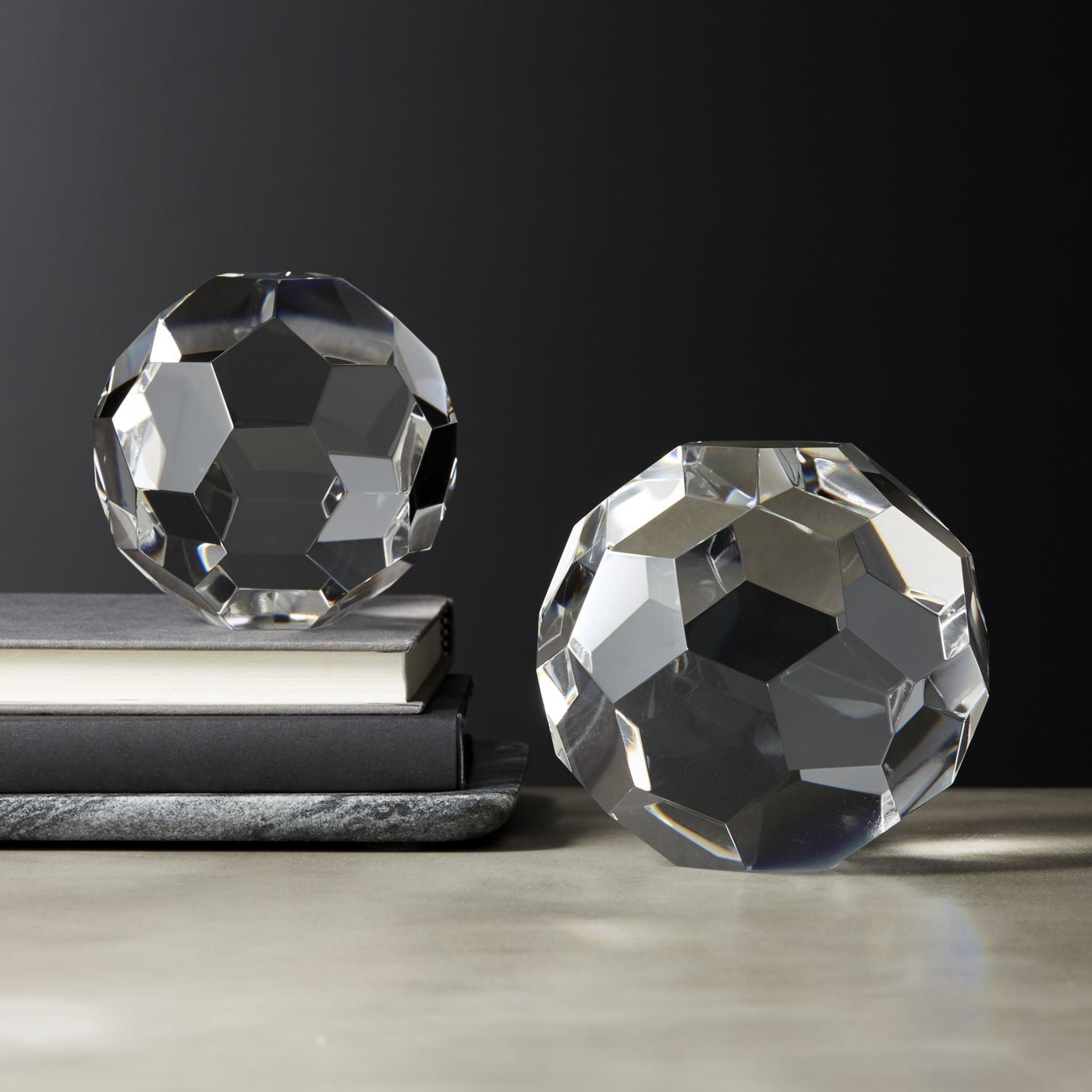 Crystal orbs with facets
