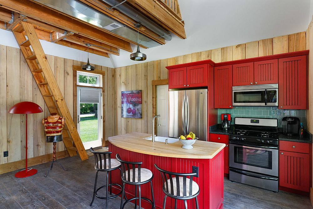 Exceptional-use-of-red-in-the-beach-style-kitchen