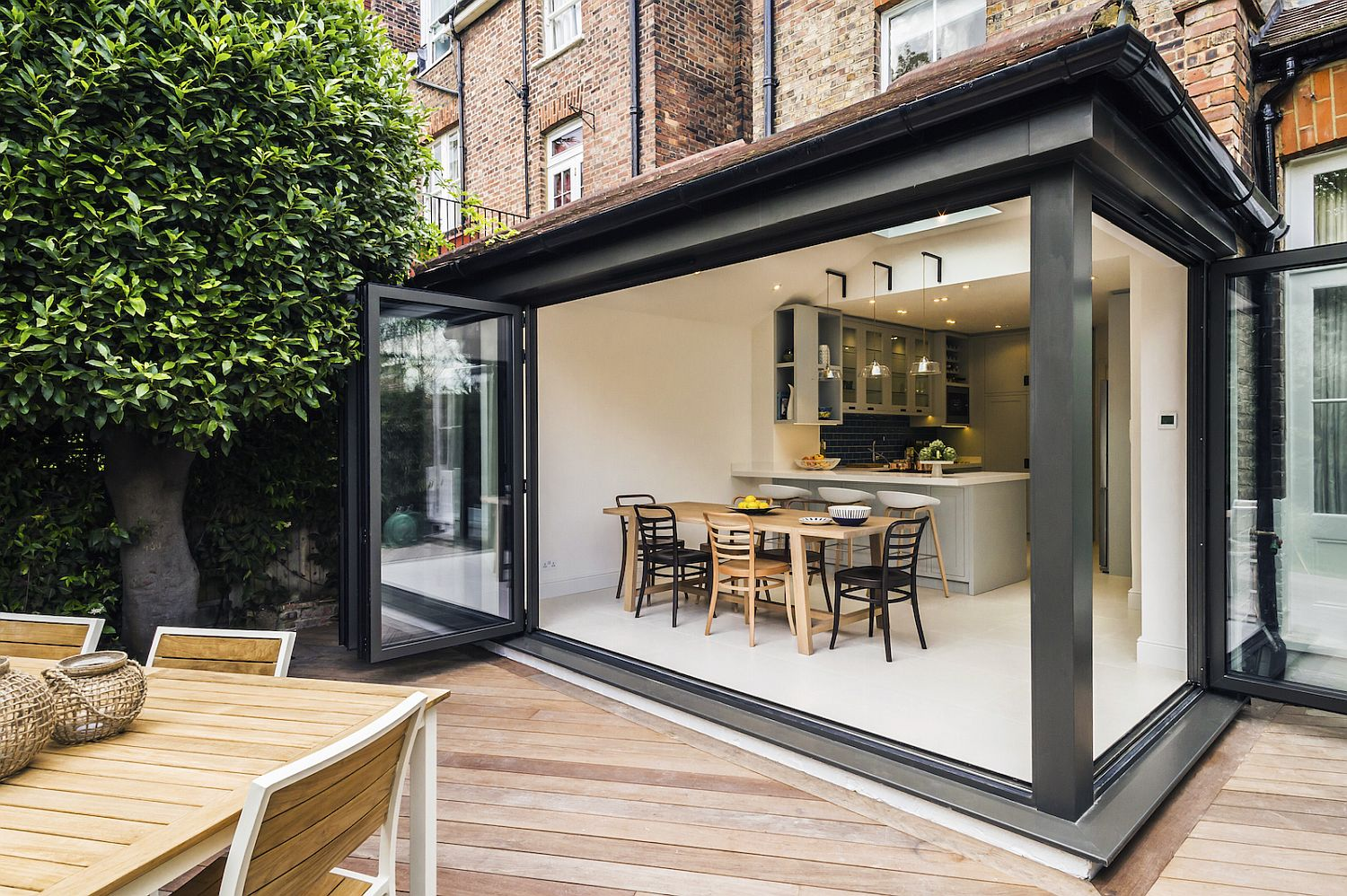 Kitchen-and-dining-room-of-the-London-home-extension