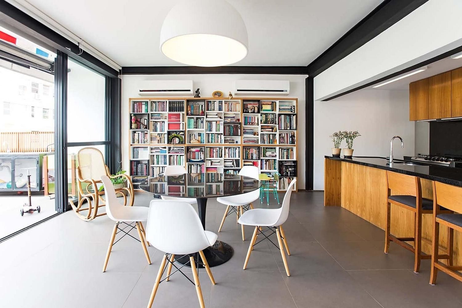 Make-sure-that-the-smart-bookshelf-fits-into-the-overall-style-of-the-small-living-room