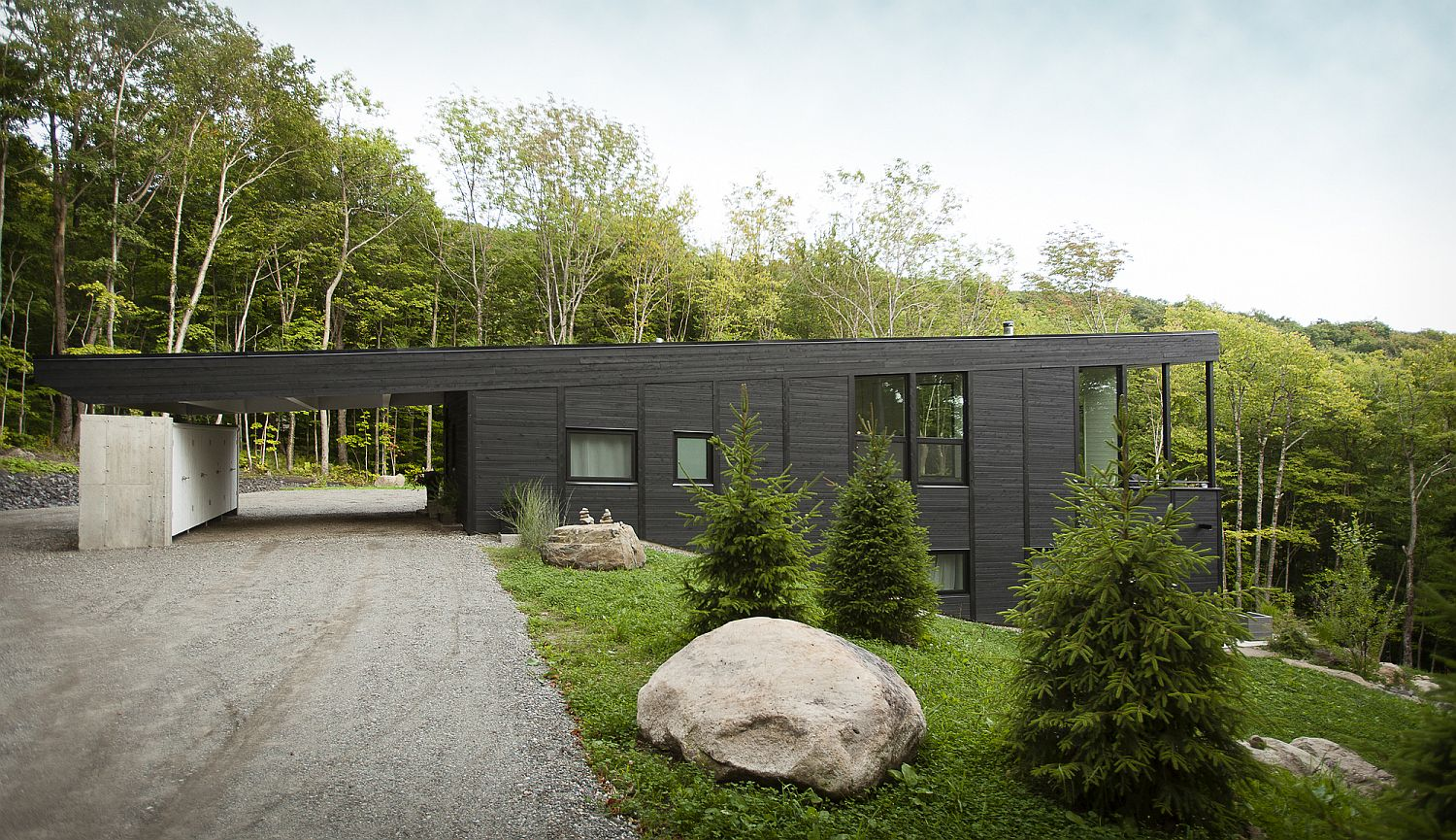 Modern-Sutton-mountain-home-with-a-green-roof