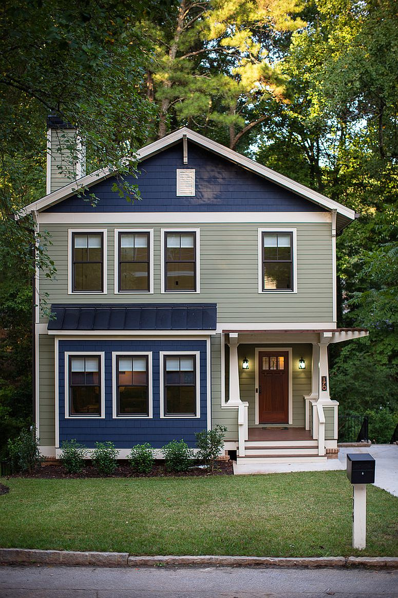 Navy blue and gray for the exterior creates a show-stopping facade!