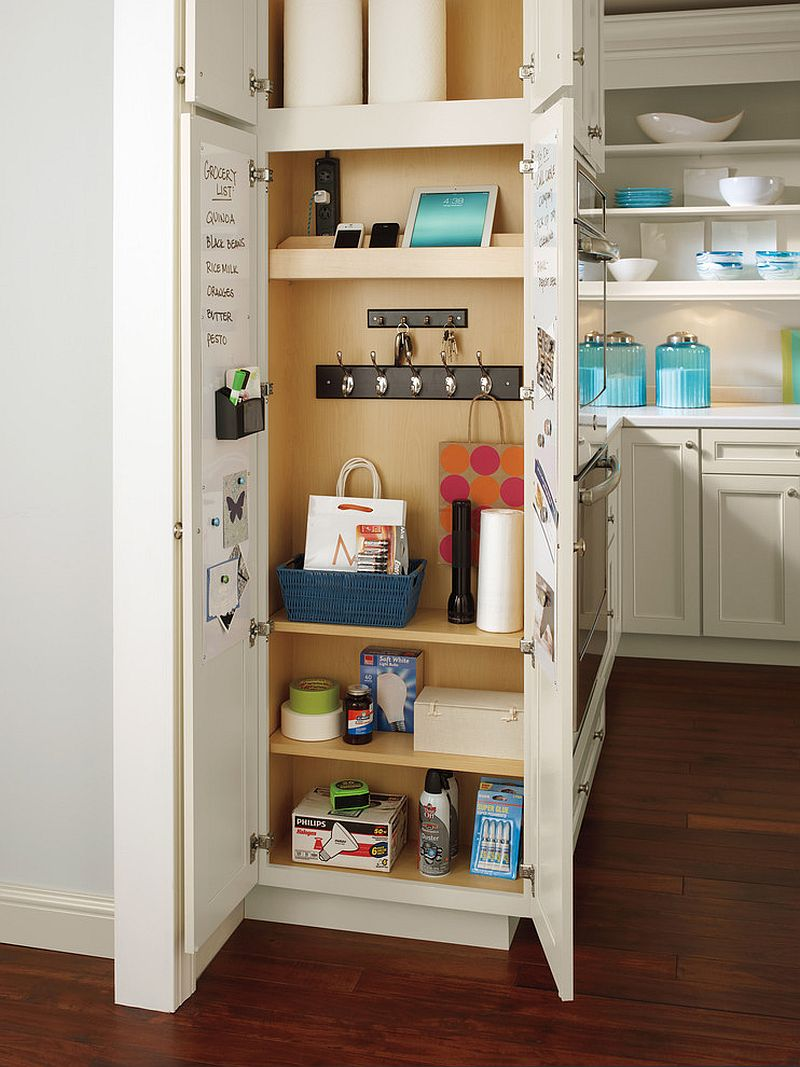 Traditional-kitchen-with-small-pantry-that-can-be-easily-hidden-when-not-in-use