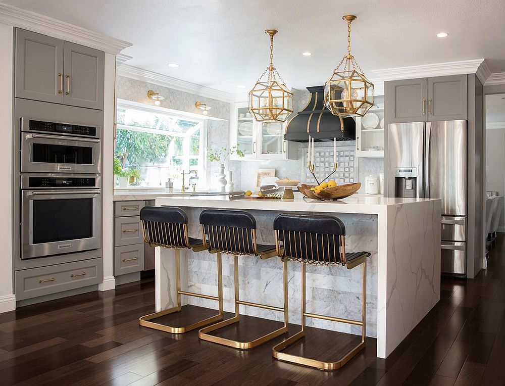 Brass is an easy way to add sparkle to the elegant modern kitchen