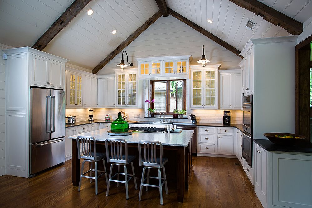 Combing-modern-ergonomics-with-rustic-elegance-in-the-kitchen