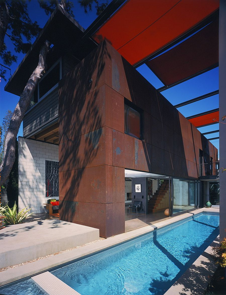 Corten steel panels are great for modern industrial homes