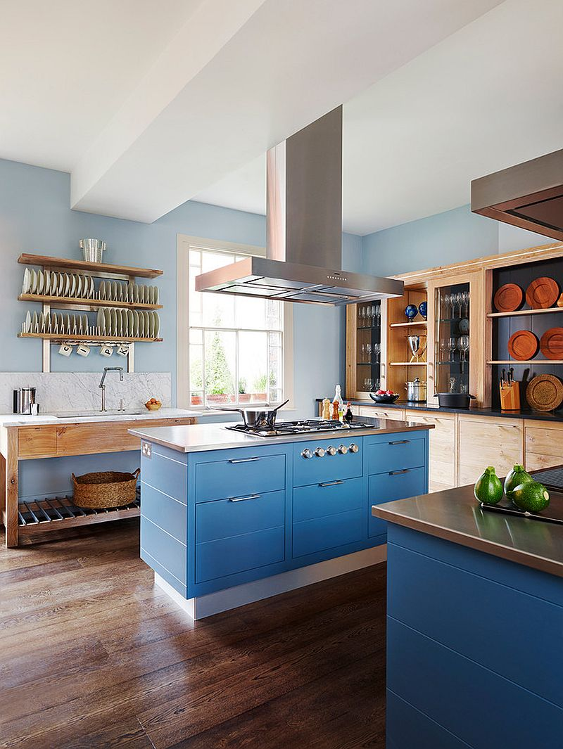 Modern farmhouse kichen with brilliant splashes of blue