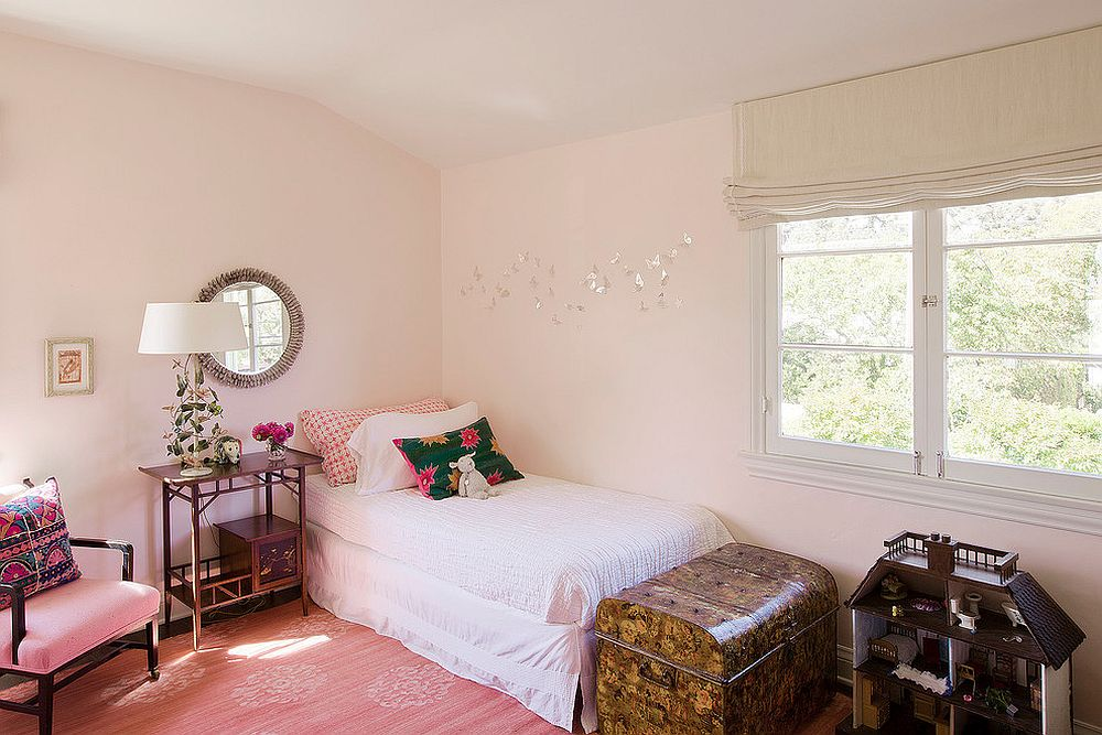 Pastel pink is absolutely ideal for the modern Mediterranean kids' bedroom