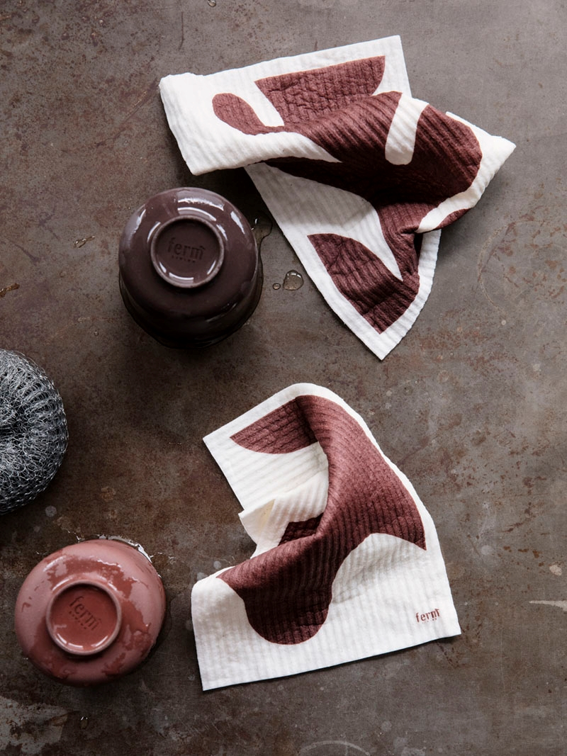 Red-brown dish towels for fall