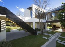 Series-of-courtyards-gardens-and-walkways-around-the-modern-home-217x155